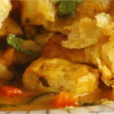 tofu-pot-pie-cut-closeup
